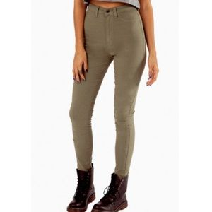 Tobi Solidly High Waisted Jeans Olive